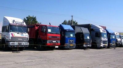 Ilustrační fotografie - zaparkované kamiony